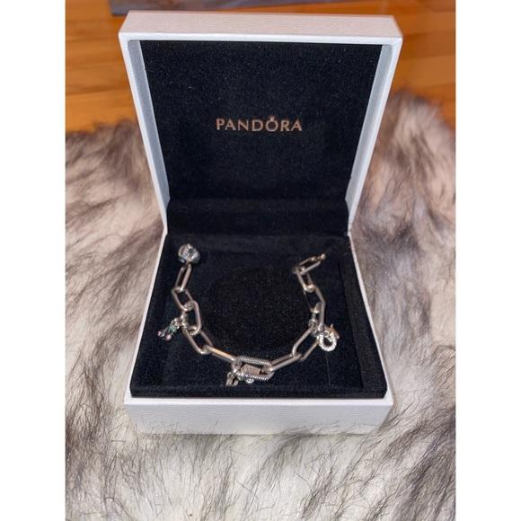 200💵 — pando bracelet & 6 charms!